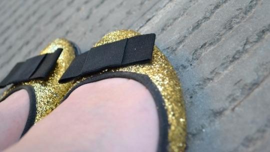 sapatilhas-com-gliter-e-laco-1
