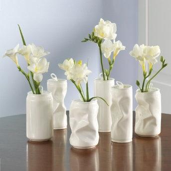 vasos com latinhas