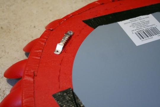 como-fazer-moldura-espelho-colher-de-plastico-passo-a-passo-5