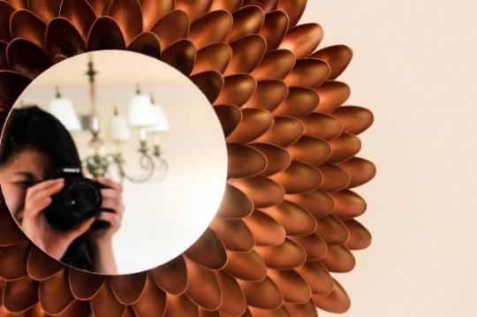Espelho com colher de plastico3